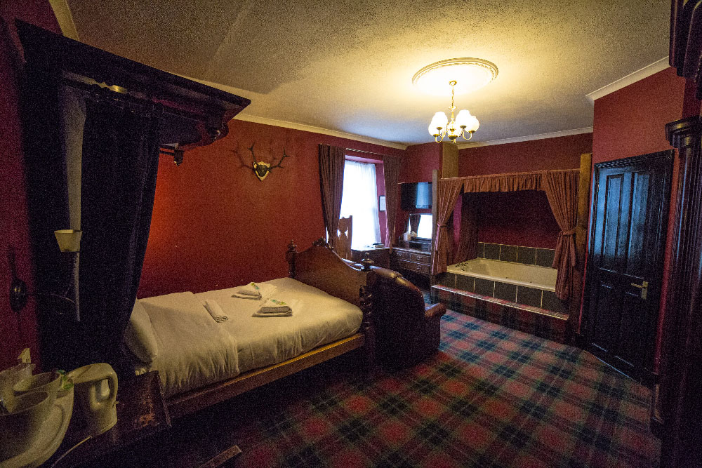 Jacuzzi Room Loch Lomond