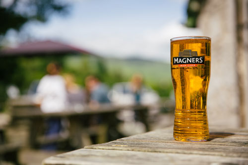 Loch Lomond Pub -Pint Of Magners